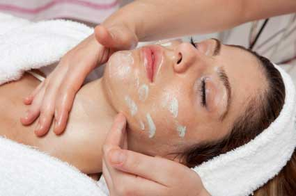 Why Should You Choose a Skin Care Specialist to Help With Acne?
